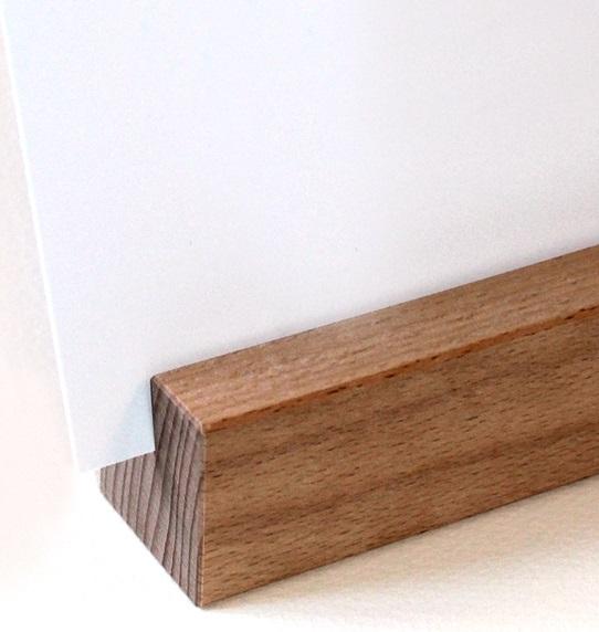 dekorativer passender Holzhalter.