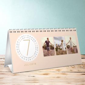 fotokalender runde monate tischkalender detail. Black Bedroom Furniture Sets. Home Design Ideas