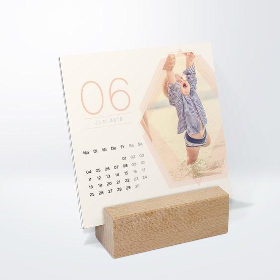 Polygon Tischkalender - 145x145 mm mit edlem Holzfuß - Weiß