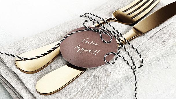 Bestecktaschen und Serviettenanhänger allgemein - Goldener Tag
